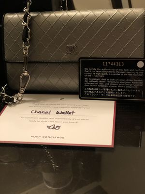 Authentic Chanel wallet/Crossbody for Sale in Folsom, CA