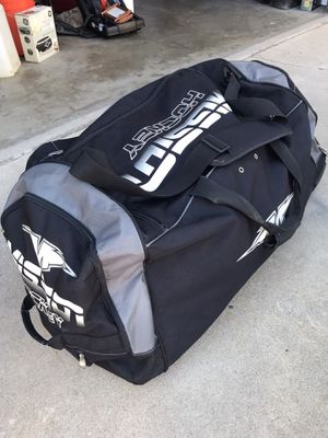 "Mission large 36"" roller duffle hockey bag equipment for Sale in Bellflower, CA"