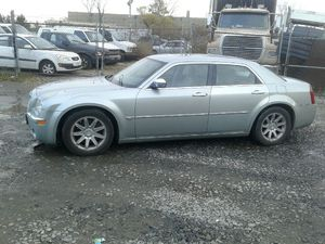 2005 Chrysler 300 260k miles runs and drives!!! for Sale in Temple Hills, MD