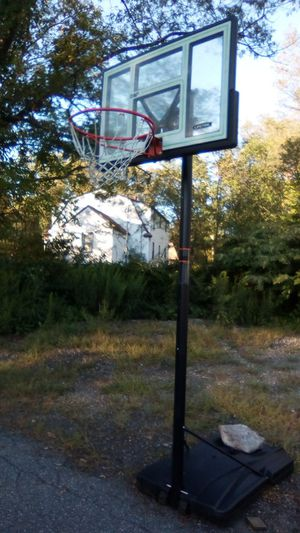 Live time Adjustable Basketball Hoop for Sale in Millbury, MA
