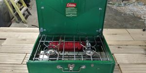 Coleman 413G camping stove for Sale in Salt Lake City, UT