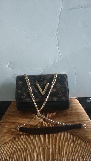 Small designer handbag for Sale in North Miami Beach, FL