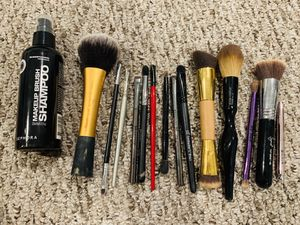 Makeup Brushes & Cleaner for Sale in Greenwood, IN