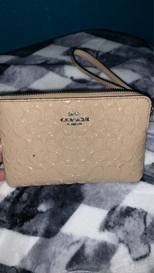 small coach wallet for Sale in Pomona, CA