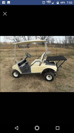 Gas powered golf cart club car really nice aluminum frame for Sale in Whitney, TX