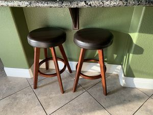 2 backless bar stools for Sale in Fresno, CA