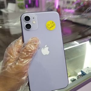 iPhone 11 64GB Tmobile, Metro Pcs, Sprint Excellent Condition With Free Charger And 30days Warranty for Sale in Garland, TX
