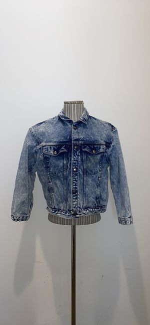 Calvin Klein Vintage jean Jacket faded for women size M for Sale in Miami Gardens, FL