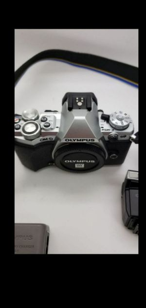 Olympus OM-D E-M5 II mirrorless camera body for Sale in Miramar, FL