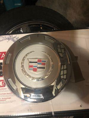 Cadillac Escalade rim hub cap, only one for Sale in Rialto, CA
