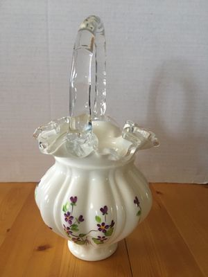 Fenton Violets in Snow Silvercrest Basket signed by W. Dan Anderson for Sale in Los Angeles, CA