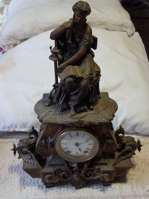 Seth Thomas & Sons Antique Mantle Clock for Sale in Yelm, WA