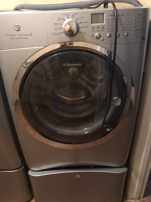 Electrolux washer and dryer for Sale in Tampa, FL