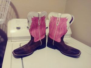 Ariat sz 4 girls boots $25 for Sale in Harlingen, TX
