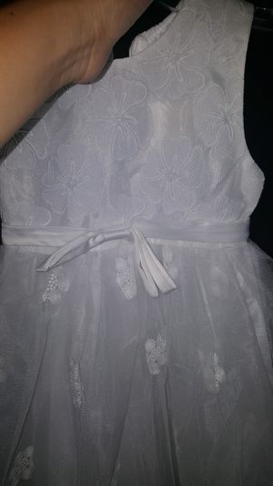 White dress( flower girl) for Sale in Cedar Creek, TX