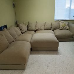 Sectional Couch Pending for Sale in Seattle, WA