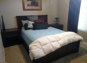 Queen bedroom set for Sale in Tempe, AZ