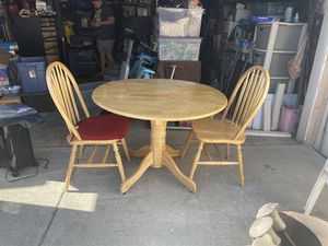 Kitchen table and chairs for Sale in Los Nietos, CA