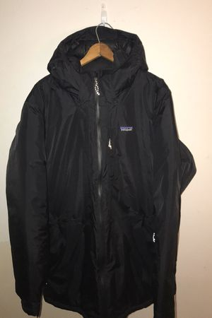 Men's black Patagonia insulated torrentshell size large for Sale in Los Angeles, CA