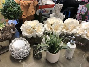 HOME DECOR- GREAT CONDITION for Sale in Simi Valley, CA