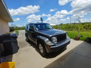 2012 jeep liberty for sale!!! for Sale in INDIAN LK EST, FL