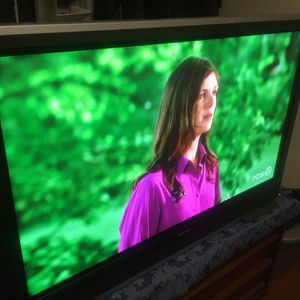 """50"""" TV and Blu-ray Combo for Sale in Portland, OR"""