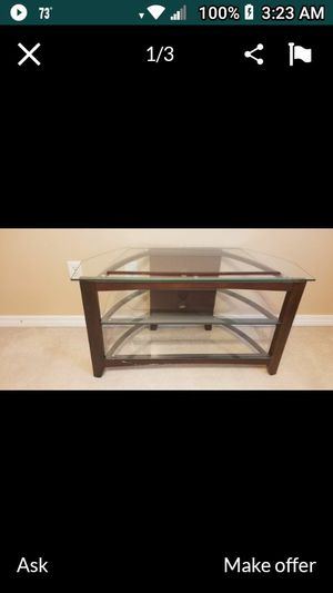T.V. Stand Great shape just need the space it's taking up. for Sale in Crestview, FL