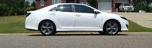 Beautiful 2O12 Toyota Camry FWDWheels for Sale in Cedar Rapids, IA