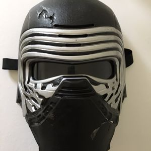 Kylo Ren Voice Changing Mask for Sale in Virginia Beach, VA