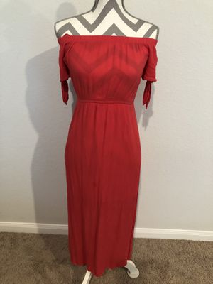 Off the shoulder maxi dress for Sale in Houston, TX