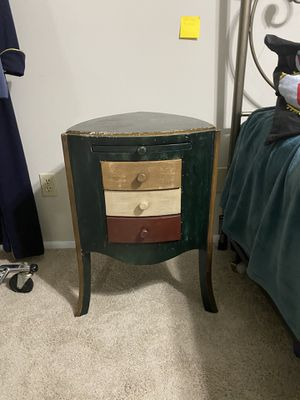 Nightstand Or end table for Sale in Sanford, FL