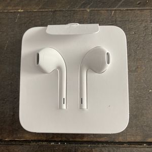 iPhone Lighting EarPods For iPhone Only for Sale in Forest, VA