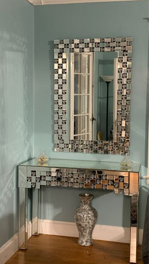 Very Fancy Mirror & Console Table Set for Sale in New Rochelle, NY