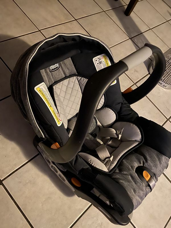 CHICCO KEYFIT 30 INFANT CAR SEAT!!!