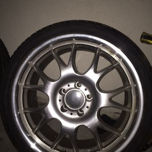 "19 Inch Aluminum Light Racing Wheels 5 ""lugs for Sale in Pico Rivera, CA"