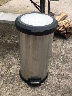 Garbage can for Sale in Crosby,  TX