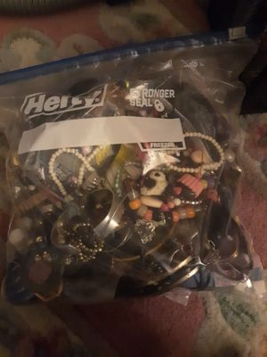 Gallon bag of craft jewelry for Sale in Phoenix, AZ