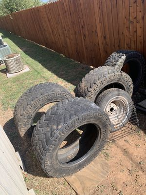 35x12.50 r 20 tires for Sale in Grape Creek, TX