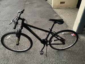 Mountain bike for Sale in Long Beach, CA