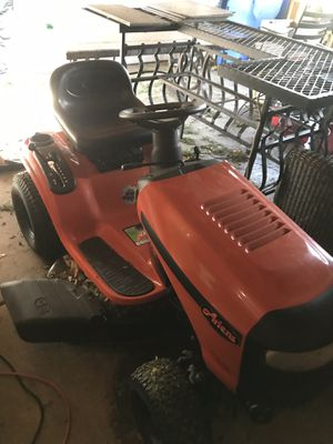 Riding lawn mower. Rarely used. for Sale in Lisle, IL
