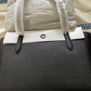 Tory Burch Black Leather Tote Bag for Sale in El Segundo, CA