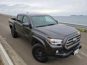 TOYOTA TACOMA 2017 for Sale in San Diego, CA