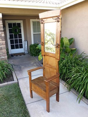 """VINTAGE ANTIQUE SOLID OAK HALLTREE W/ BENCH SEAT & STORAGE (CIRCA EARLY 1900'S) 26""""W × 17""""D × 76""""H for Sale in Corona, CA"""
