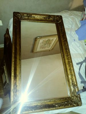 Antique framed mirror for Sale in Grove City, OH