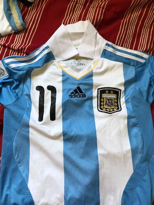 Argentina Carlos tevez 2011 copa American jersey size small for Sale in Bell Gardens, CA