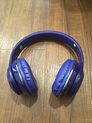 JBL by Harman Wireless over-ear Headphones. In Blue, Black and Red. JBL signature sound. for Sale in Pembroke Pines, FL