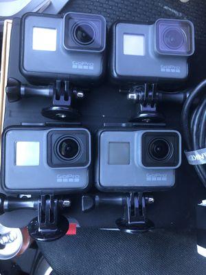 (4) GoPro Hero 5 package for Sale in Hialeah, FL