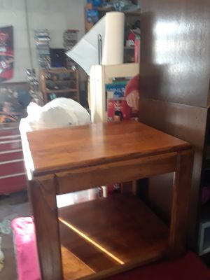 Sturdy wooden end table for Sale in Melbourne Village, FL