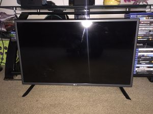"""32"""" LG Tv 1080p for Sale in Poway, CA"""
