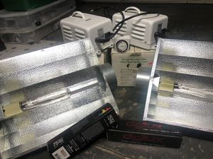 2- 600 watt grow lights with timer and bulbs for Sale in Fremont, CA